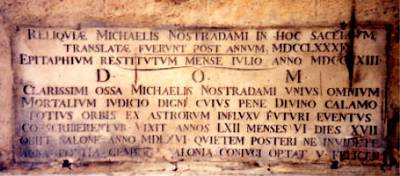 Nostradamus' tombe in de Collegiale St-Laurent in Salon