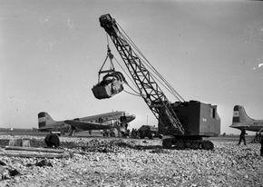 13 december 1943 - Schiphol wordt gebombardeerd door de geallieerden