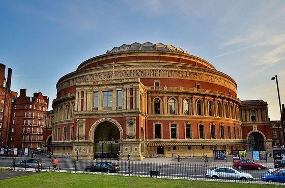 29 maart 1871 - De Royal Albert Hall wordt geopend door koningin Victoria