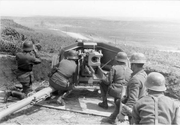 Duitse soldaten aan het Oostfront, 1944 (Bundesarchiv)