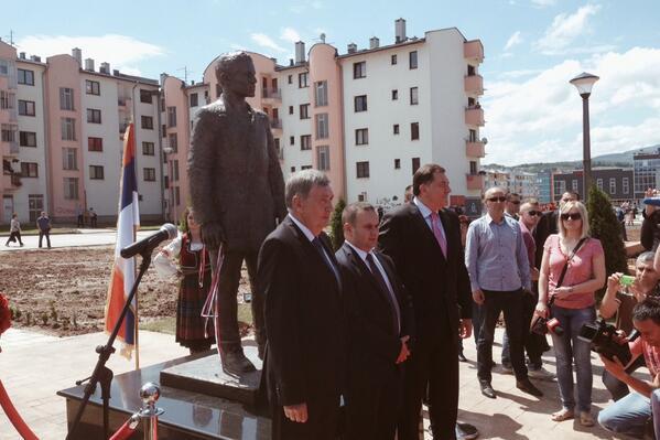 Standbeeld Gavrilo Princip onthuld in Sarajevo (Twitter  / Marcel van der Steen)