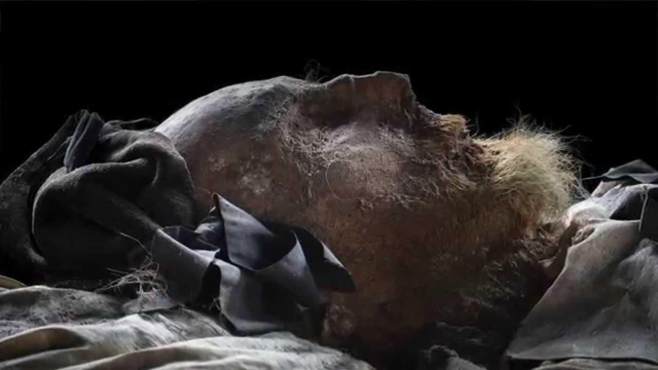 Foetus ontdekt in kist gemummificeerde bisschop