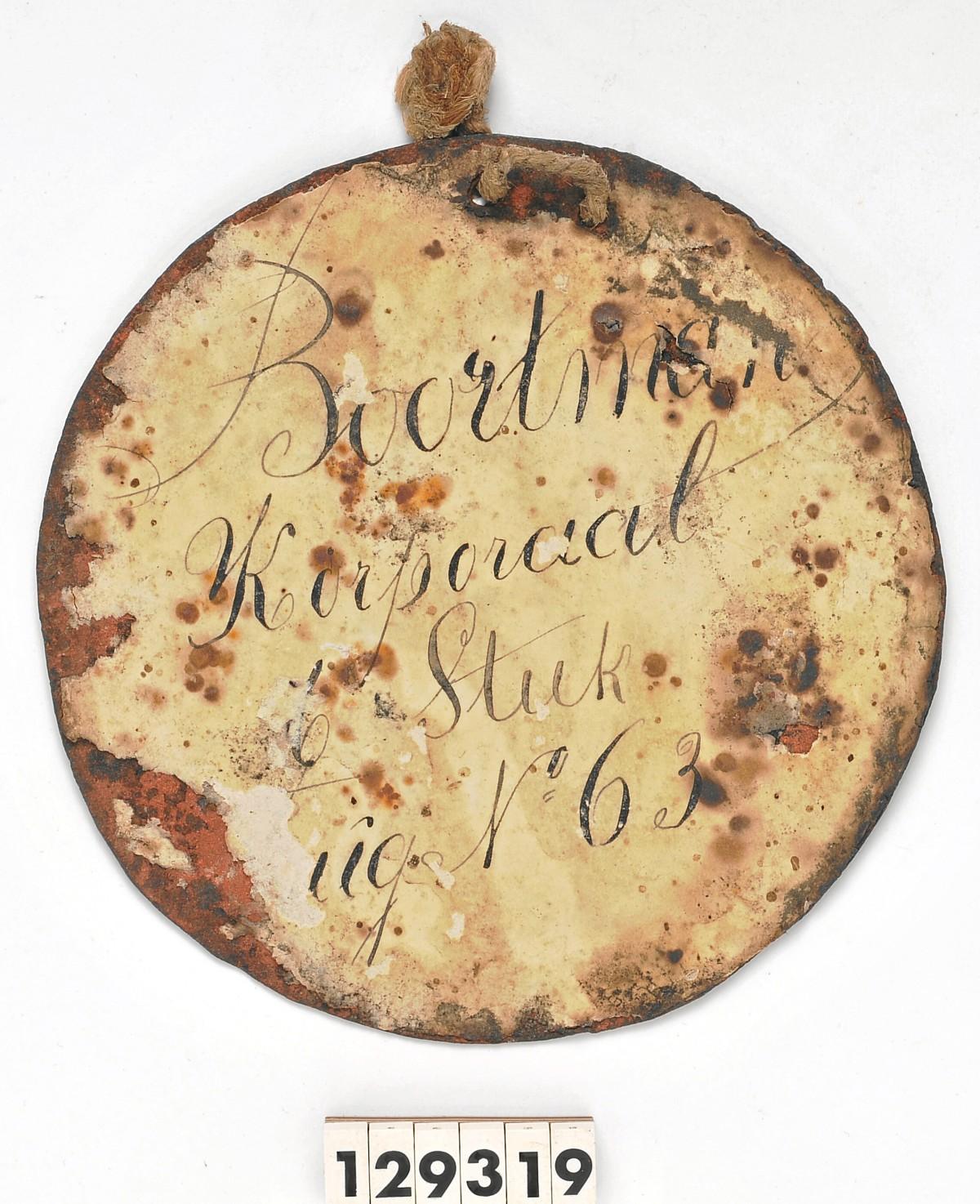 Naamplaatje van korporaal Boortman (Uit: Onze slag bij Waterloo)