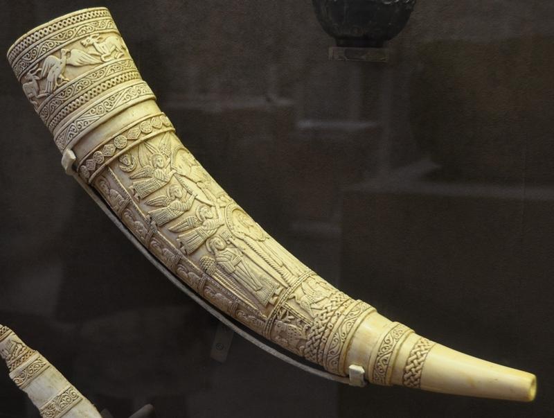 Ivoren hoorn (Musée de Cluny, Parijs): historiek.net/a-great-constitutive-myth-1/51800