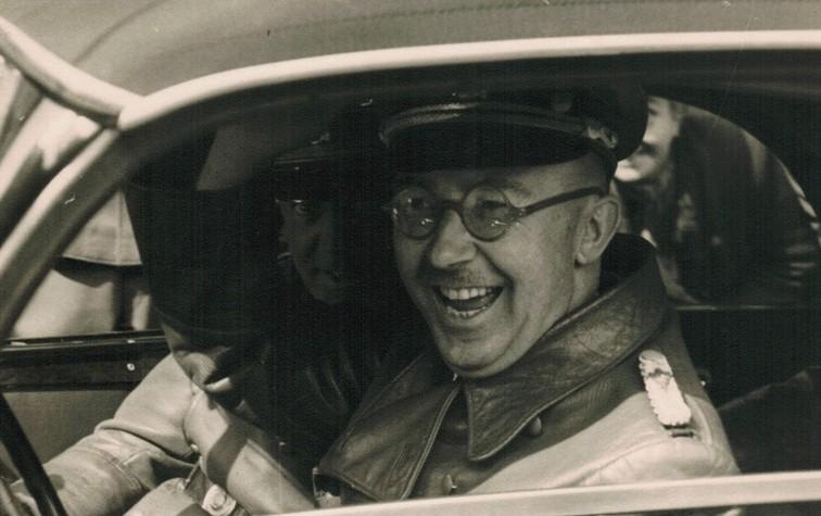 Heinrich Himmler achter het stuur. Bron: Jeruzalem Post