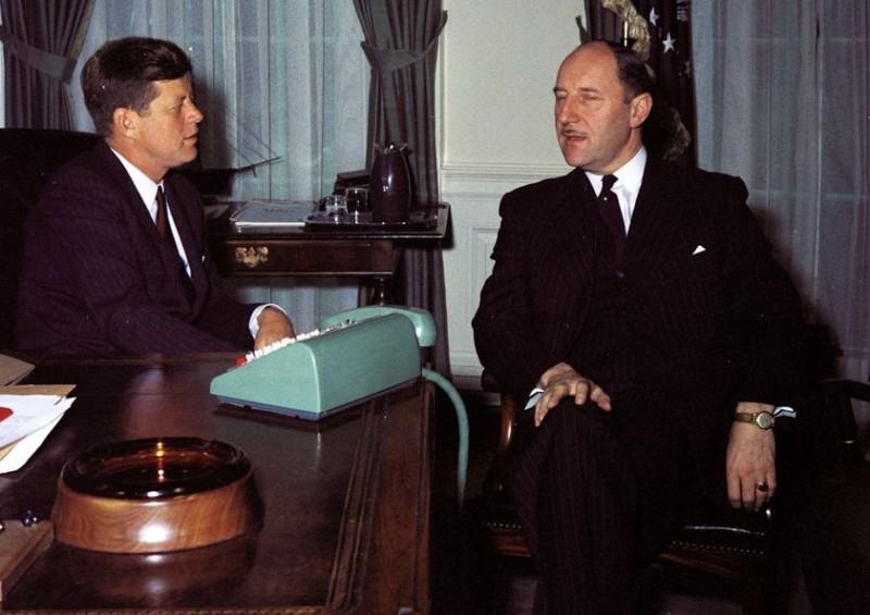 Joseph Luns en Kennedy