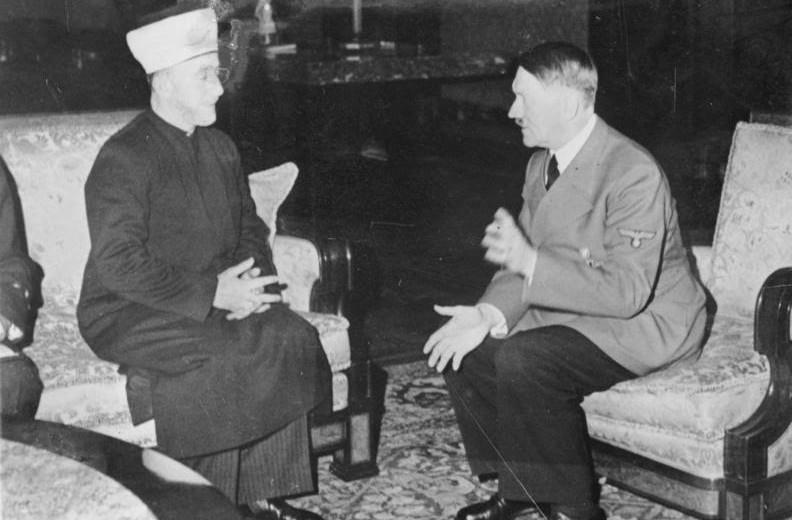 Moefti Amin al-Husseini van Jeruzalem op 28 november 1941 in Berlijn in gesprek met Adolf Hitler.