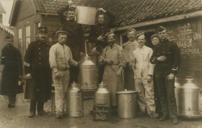 Een gaarkeuken in Balk, november 1914. Bron: www.langsdeluts.nl