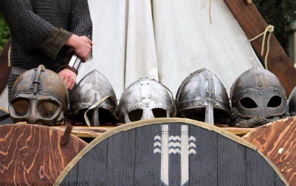Viking helmen (cc - Helgi Halldorsson)