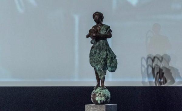 Geschiedenis Online Prijs - beeldje voor de winnaar van de juryprijs