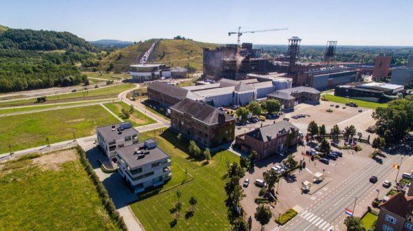 De gebouwen van de mijn Beringen, gefilmd vanuit een drone. (Foto Dries Luyters)