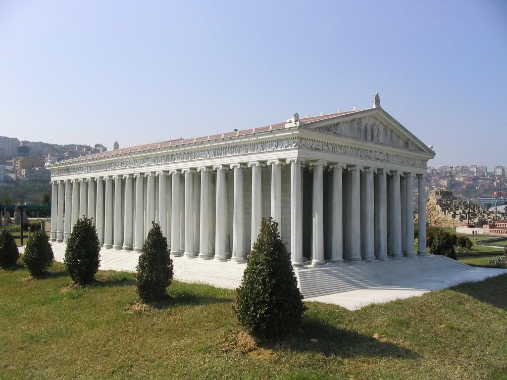 Maquette van de originele Tempel van Artemis in Efeze - cc