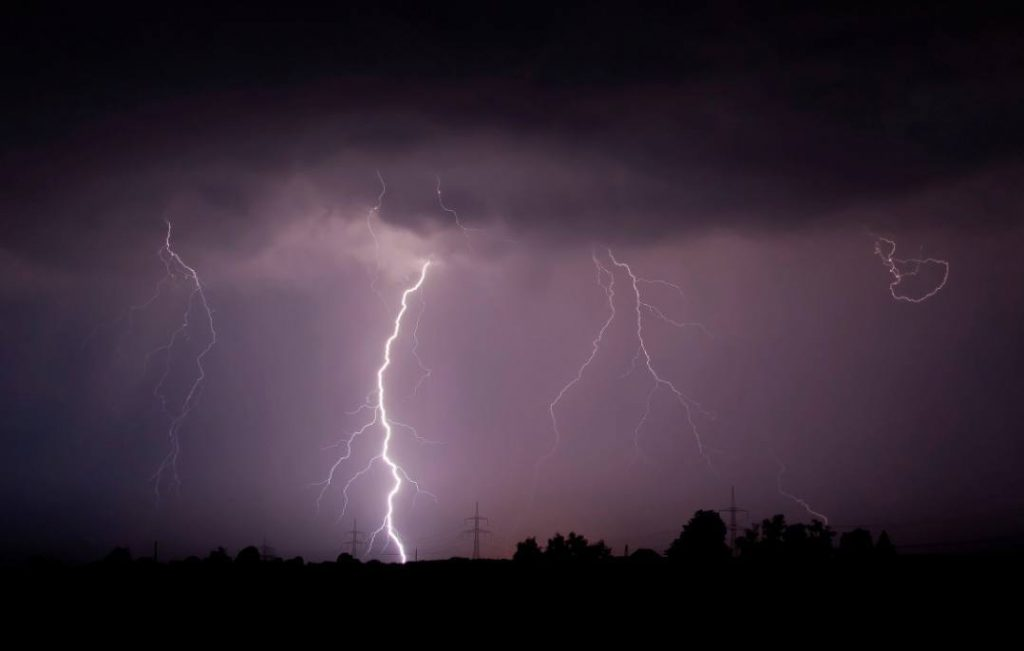 Elektriciteit (CC BY-SA 3.0 - Mathias Krumbholz - wiki)