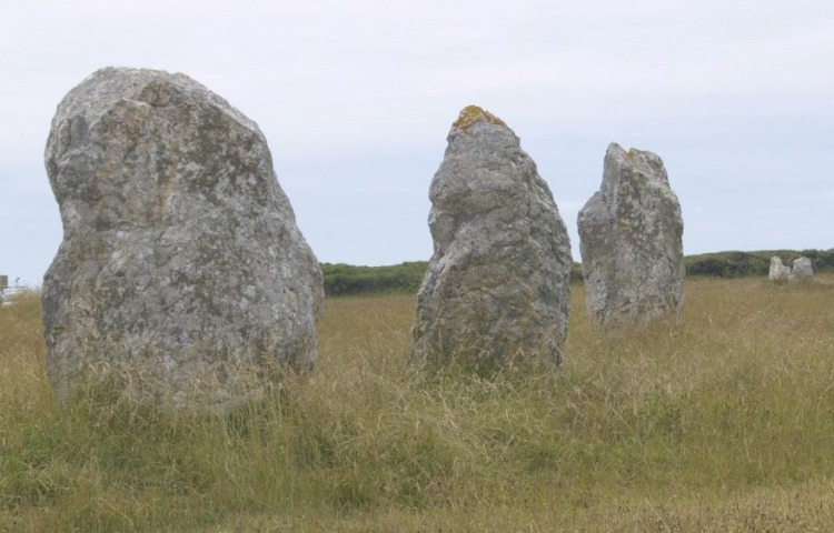 Menhirs (cc - wiki)