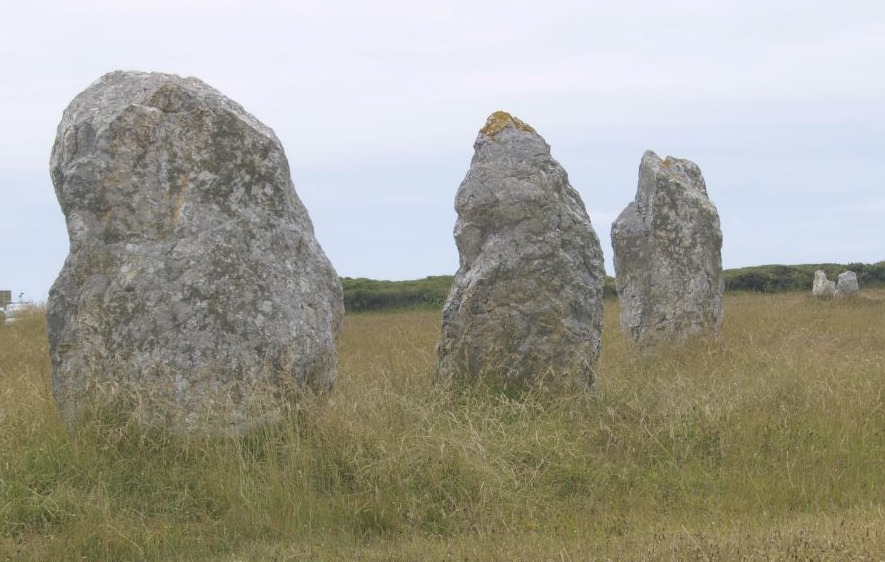 Menhirs (cc - wiki)
