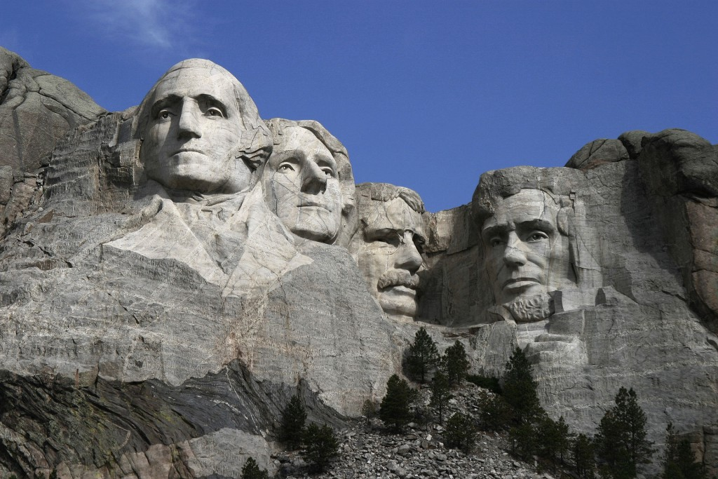 De vier sculpturen van Mount Rushmore: Washington, Jefferson, Roosevelt en Lincoln