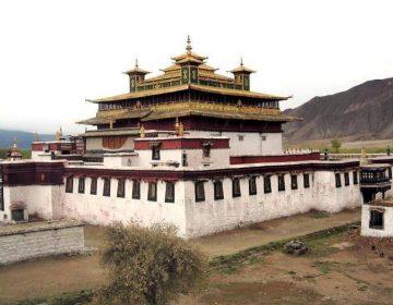 Het hoofdgebouw van het Samye-klooster