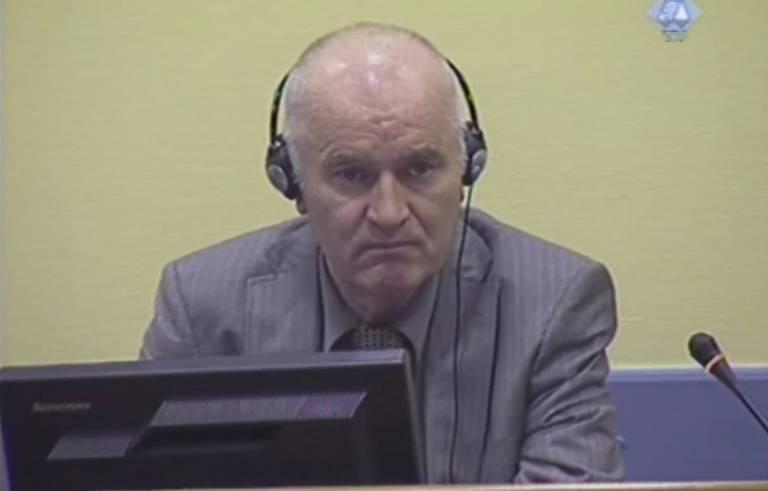 Mladić voor het Joegoslavië-tribunaal (2011) - ICTY