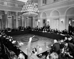 Ondertekening van het Warschaupact