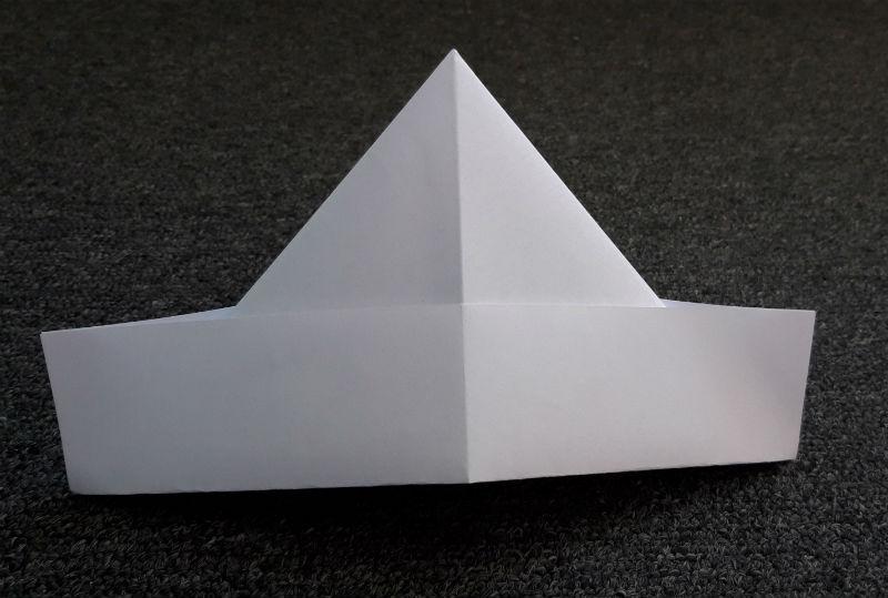 Hoedje van papier (Foto Historiek)