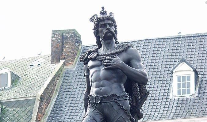 Standbeeld van Ambiorix in Tongeren (CC BY-SA 3.0 - ArtMechanic - wiki)