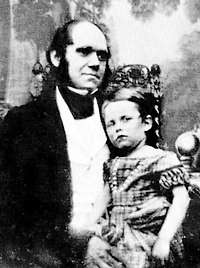 Charles Darwin in 1842 met zoontje William