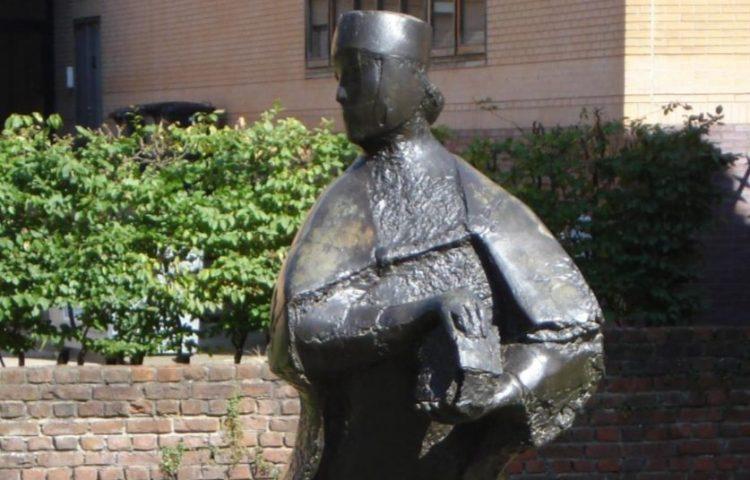 Beeld van Aleid van Holland in Schiedam - cc
