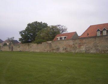 Stadsmuur van Harderwijk aan de voormalige zeezijde (Publiek Domein - wiki)