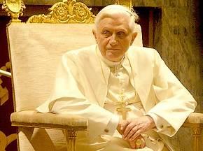 Benedictus XVI rehabiliteert ontkenner gaskamers