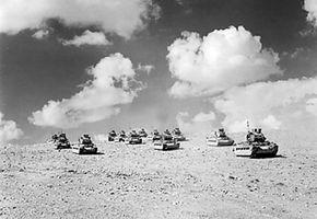 Britse tanks tijdens de Tweede slag om El Alamein