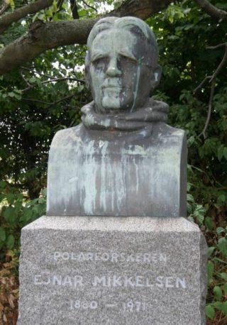 Gedenksteen voor Ejnar Mikkelsen in Kopenhagen