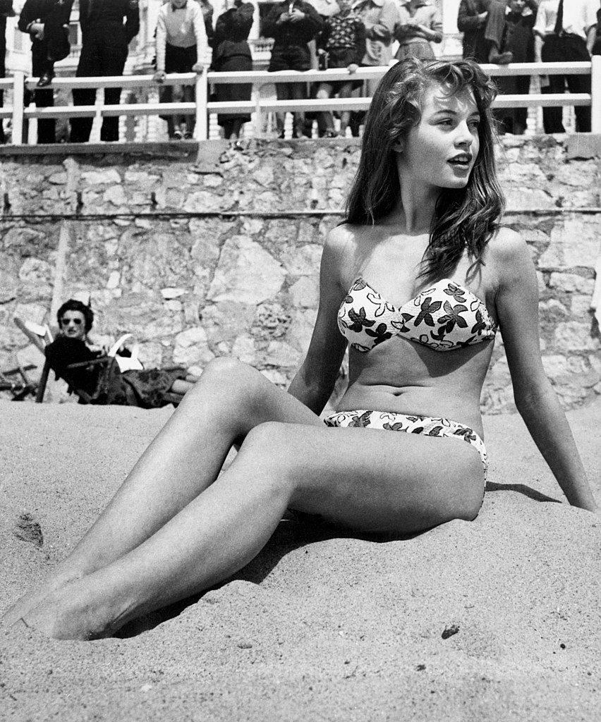 Brigitte Bardot in bikini, 1953 (Publiek Domein - wiki)
