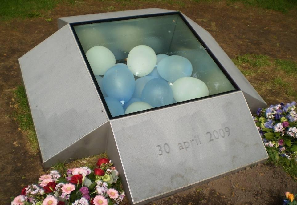 Herdenkingsmonument voor de aanslag op Koninginnedag 2009 (Publiek Domein - wiki)