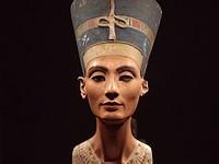 'Borstbeeld koningin Nefertitit werd gemaakt in 1912'