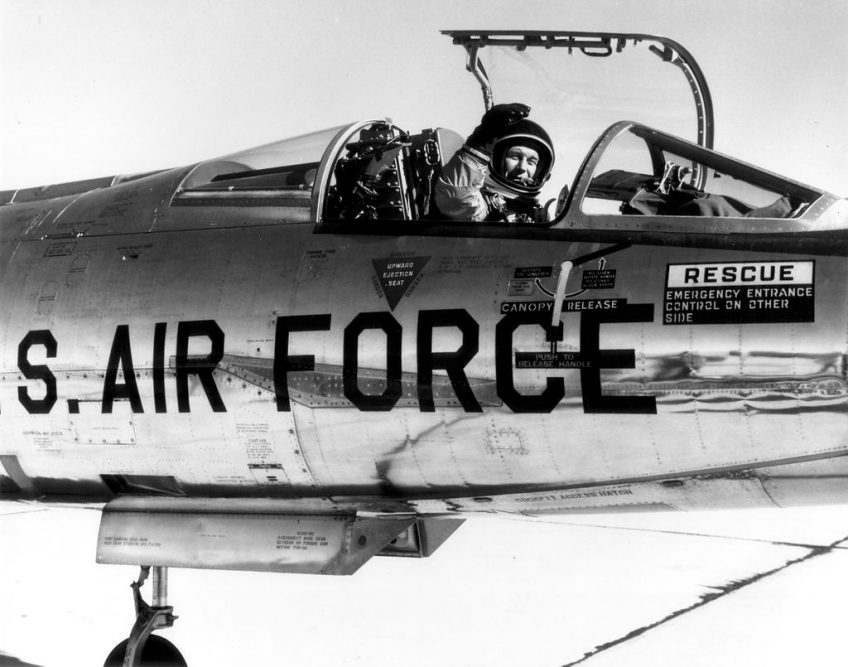 Chuck Yeager in een NF-104