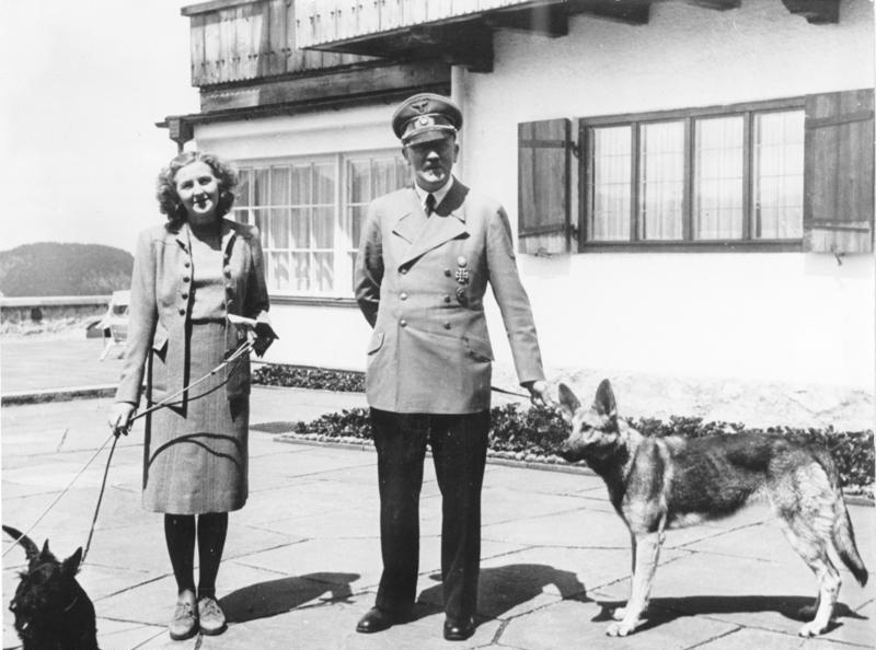 Eva Braun en Adolf Hitler (cc - Bundesarchiv)