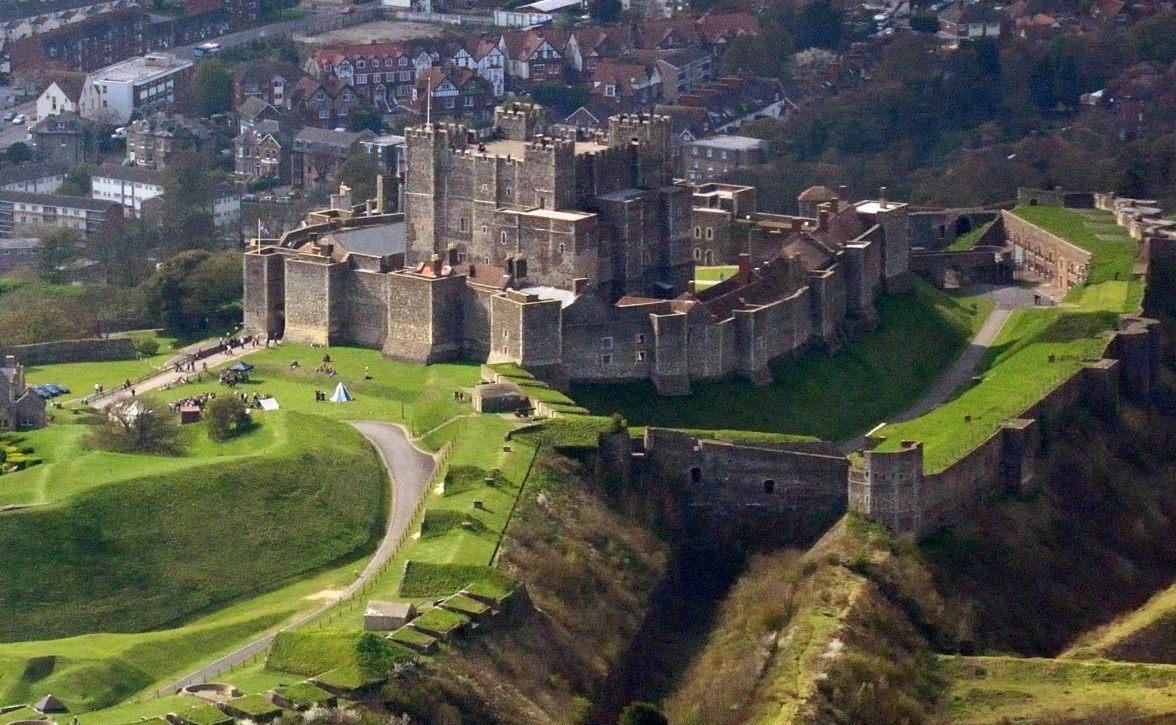 Dover Castle (CC BY-SA 3.0 - Lieven Smits )