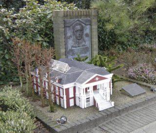 Geboortehuis en monument voor George Maduro in Madurodam