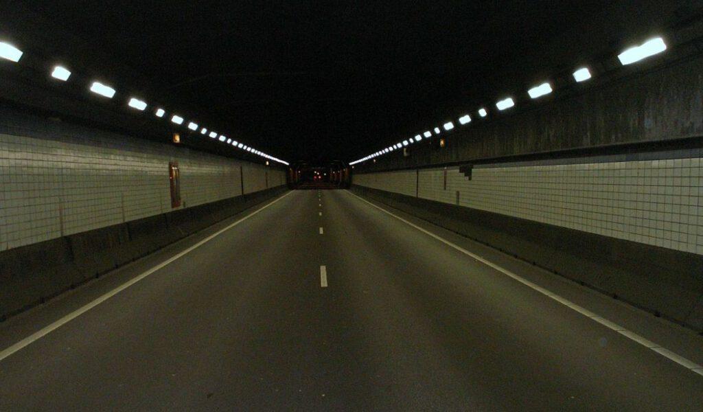 Oostelijke tunnelbuis Coentunnel