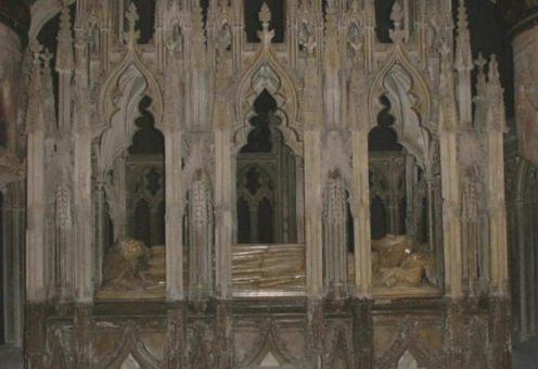 Graftombe van Eduard II, die niet erg prettig aan zijn eind kwam (Publiek Domein - wiki)