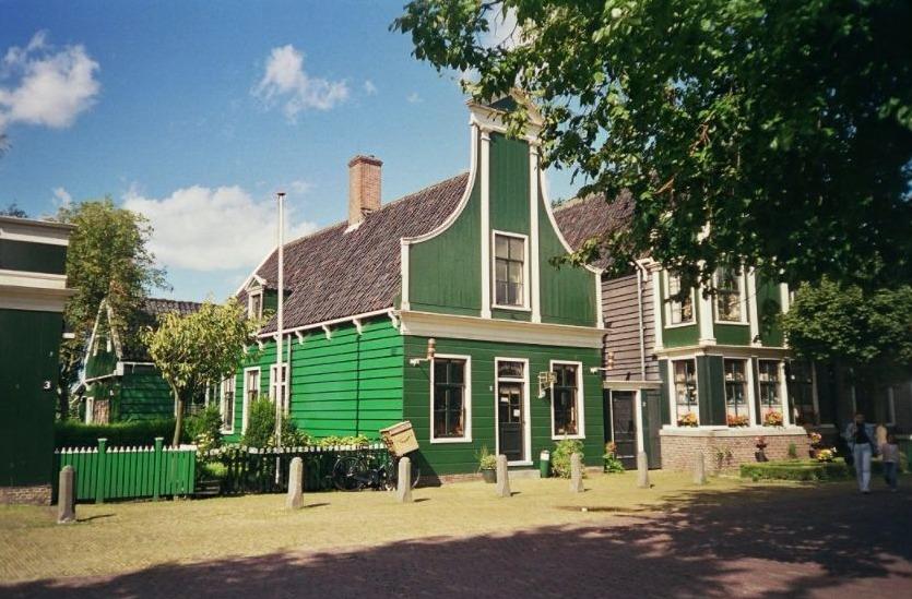 Replica van de eerste winkel in openluchtmuseum Zaanse Schans