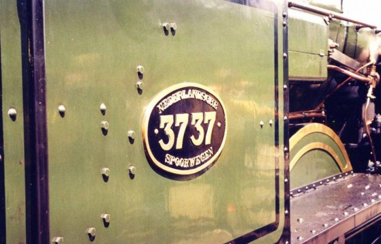 Nummerplaat van stoomlocomotief NS 3737 - Foto: CC/Erik Creugers