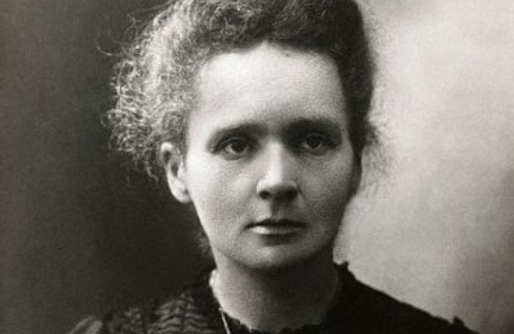 Marie Curie rond 1898