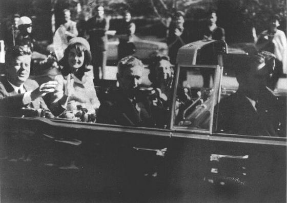 Foto genomen kort voor de aanslag op John F. Kennedy