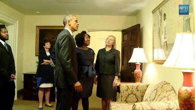 President Obama en Ruby Bridges bij het schilderij in het Witte Huis