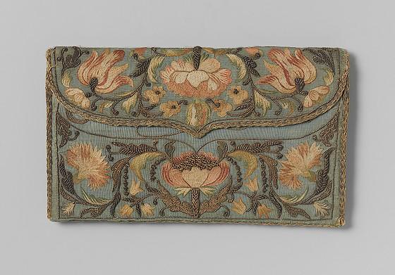 Blauwe brieventas, Istanbul, 1728 – zijde, floszijde, goud- en zilverdraad – Rijksmuseum Amsterdam