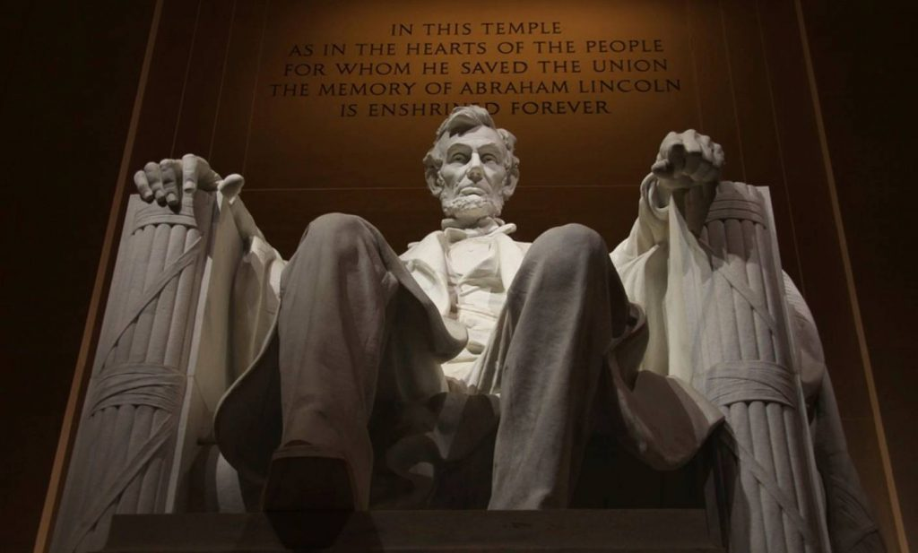 Abraham Lincoln Memorial (CC0 - Pixabay - MonicaVolpin)