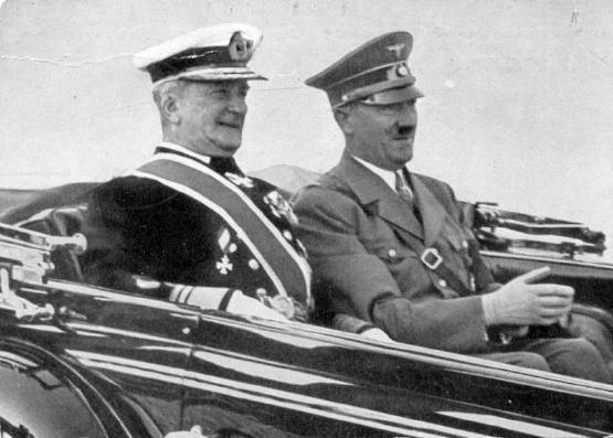 Admiraal Horthy tijdens een conferentie met Hitler