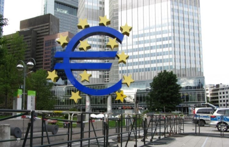 Hoofdkantoor van de Europese Centrale Bank in Frankfurt (cc - Blogotron)