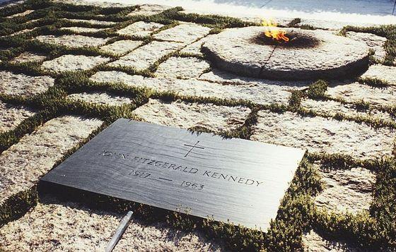Grafsteen van Kennedy op het Arlington National Cemetery